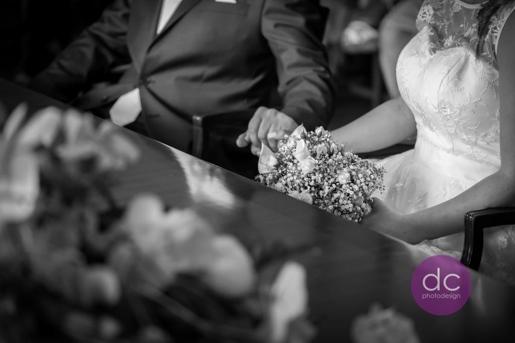 Hochzeitsfotografie - Brautpaar im Schloss Philippsruhe - Hochzeitsfotograf Hanau dc - photodesign